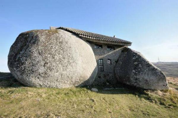 16-Stone-House-Fafe-Daglari-Portekiz-