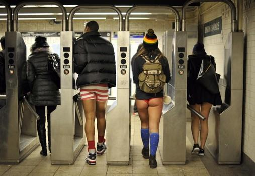 no-pants-subway-ride