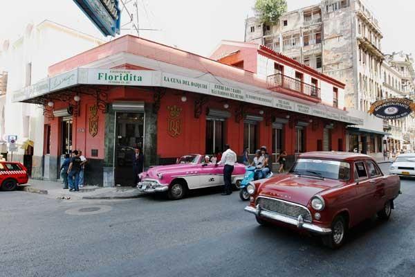 Hemingway'in favorilerinden El Floridita'da Daiquri deneyin.
