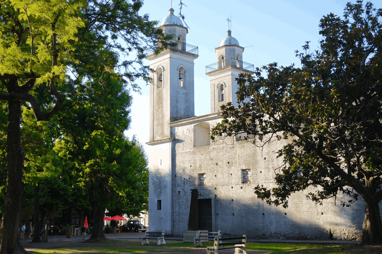 Basilico del Santisimo Sacramento colonia del sacramento