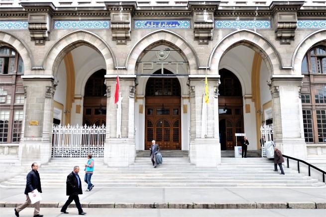Sirkeci Postane Binası