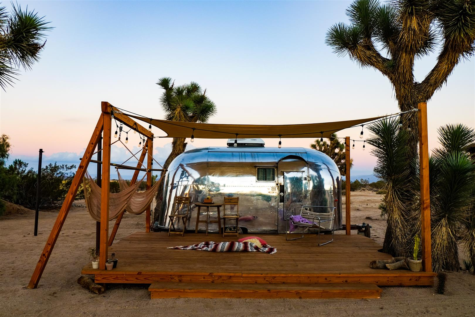 Joshua Tree Airstream (1)
